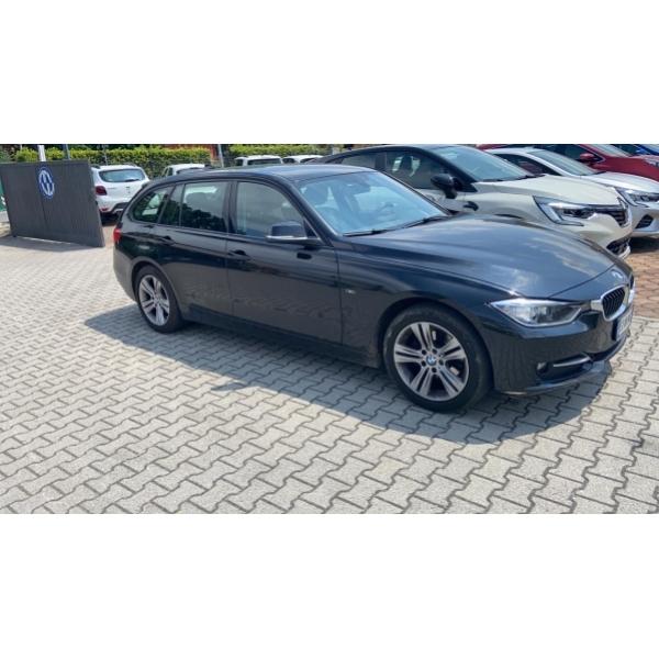 BMW 320 Station Wagon Blu metallizzato